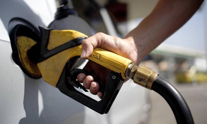 Vendas de gasolina C (na bomba, já com a adição de etanol anidro) caíram 11,2% em agosto em relação ao mesmo mês do ano passado e já acumulam recuo de 5,9% nos primeiros oito meses do anoFoto: Gustavo Stephan / Agência O Globo