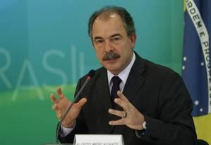 O ministro-chefe da Casa Civil, Aluízio Mercadante Foto: Jorge William / Agência O Globo
