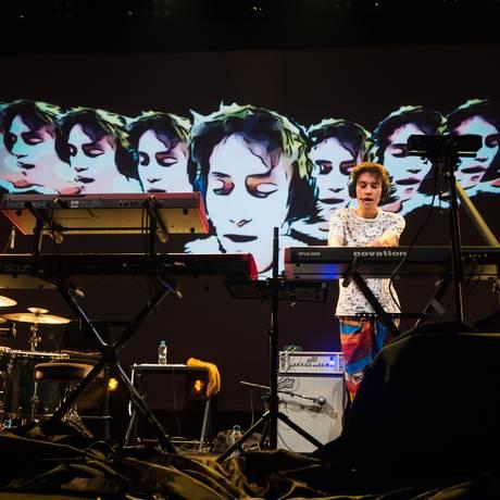 Jacob Collier em apresentação no Festival de Jazz de Montreux: músico, que é fã de Hermeto Pascoal e do grupo vocal Boca Livre, prepara seu disco Foto: Divulgação/Lionel Flusin