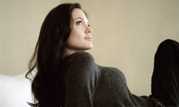 A atriz Angelina Jolie, símbolo da luta contra o câncer após anunciar, em 2013, a retirada de duas mamas por causa do risco da doença descoberto em exame genético Foto: Todd Heisler/ The New York Times / Agência O Globo