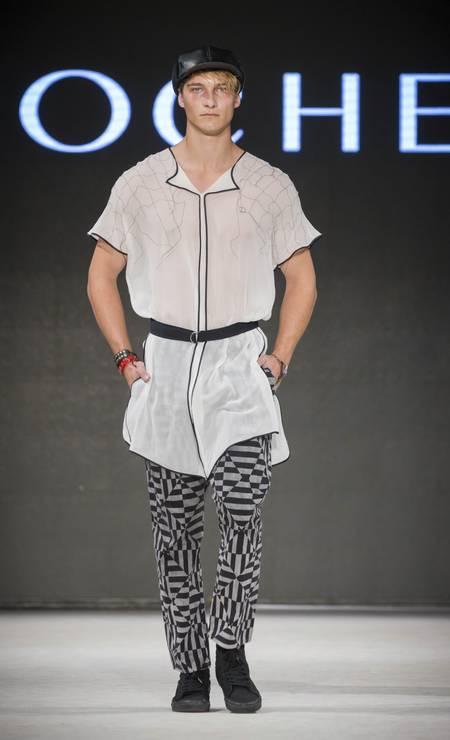 E, por que não, transparência para eles também? Esta foi a aposta do estilista brasileiro Lui Iarocheski Foto: Divulgação