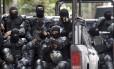 Batalhão de Choque chega ao BEP para realizar escolta de ônibus de policiais que seguirá para Niterói