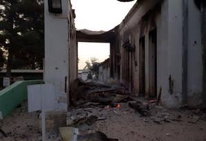Hospital do grupo Médicos sem Fronteiras fica destruído após bombardeio americano Foto: AP
