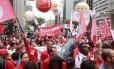 Manifestantes da CUT realizaram um protesto na Avenida Paulista