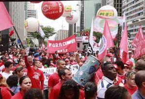 Manifestantes da CUT realizaram um protesto na Avenida Paulista Foto: Agência PT / Paulo Pinto