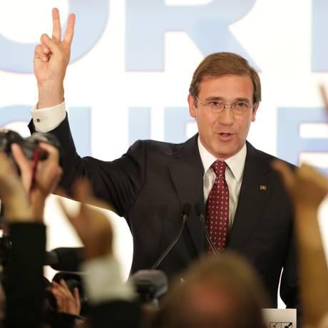 Premier português, Pedro Passos Coelho conquista vitória tímida para se manter no cargo Foto: Armando Franca / AP