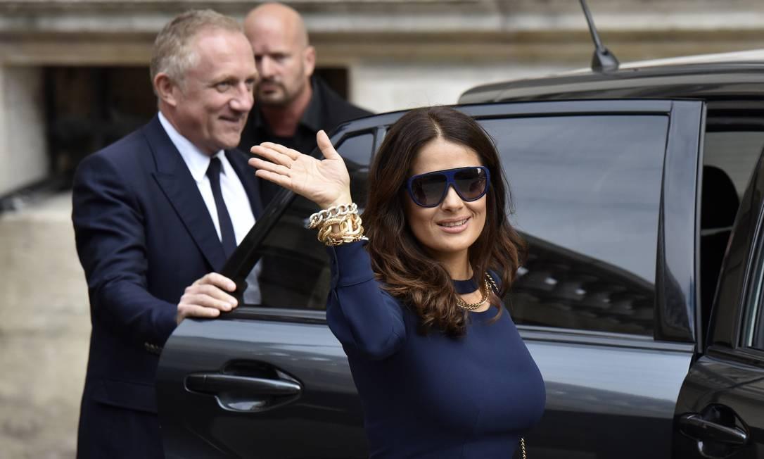A atriz mexicana Salma Hayek e o marido Francois-Henri Pinault, CEO do grupo Kering Zacharie Scheurer / AP