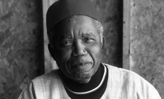 O escritor nigeriano Chinua Achebe Foto: Divulgação