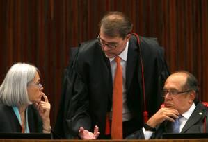 TSE reabre ação que pede cassação da chapa de Dilma Foto: Jorge William / Agência O Globo
