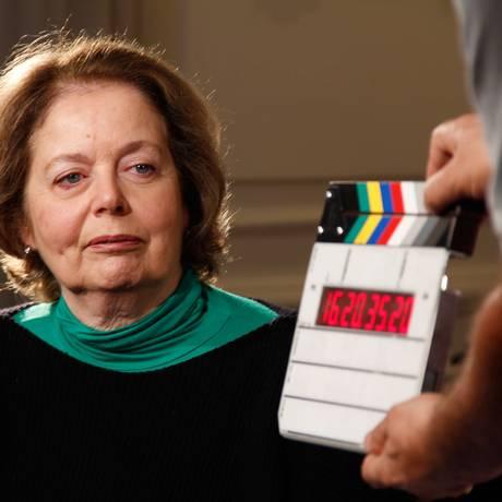 Maria Luiza Simonsen em cena do documentário sobre o pai, Mario Wallace Simonsen Foto: Divulgação