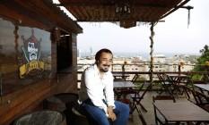 Filipe Wesley é conhecido nas ladeiras da comunidade como Jack Sparrow: obsessão Foto: Agência O Globo / Fábio Rossi