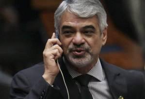 O senador Humberto Costa, líder do PT na Senado Foto: Michel Filho / Agência O Globo