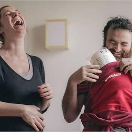 Documentário acompanha dois atores do Théâtre du Soleil, em Paris, enquanto enfrentam o desafio da gravidez Foto: Divulgação