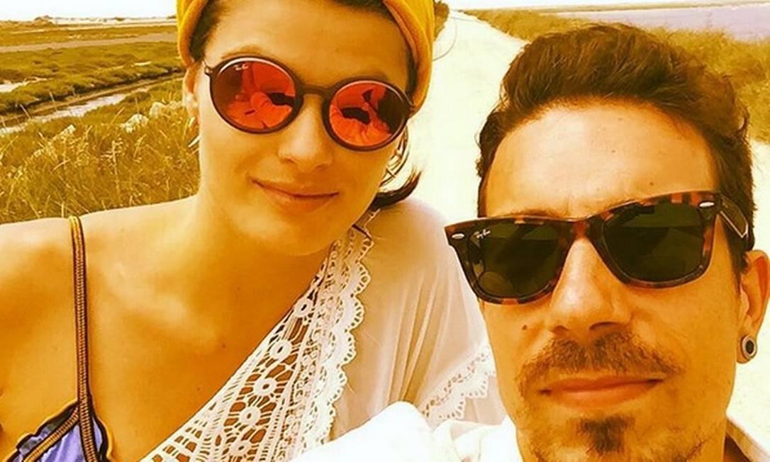 Isabeli Fontana diz que Di Ferrero, do NX Zero, é o homem da sua vida. Eles são um grude só. Antes, ela namorou com Falcão, da banda O Rappa Reprodução/ Instagram
