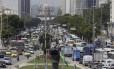 Avenida Presidente Vargas engarrafada em razão do acidente na Avenida Brasil