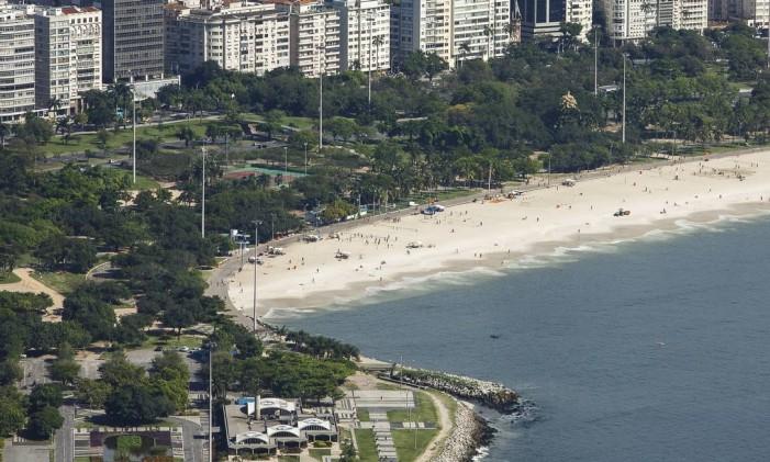 Roda gigante seria construída perto das quadras de tênis do parque Foto: Daniel Marenco / Agência O Globo