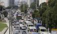 Caos no trânsito: Avenida Presidente Vargas engarrafada devido a acidente na Avenida Brasil