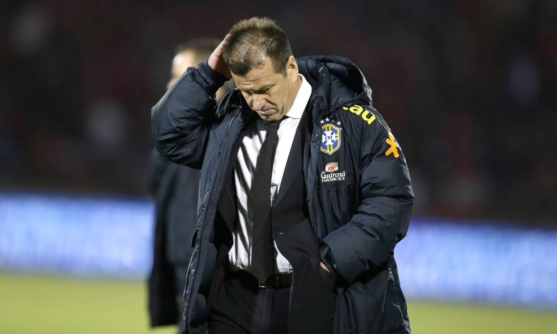 Dunga durante a derrota do Brasil para o Chile em Santiago Martin Mejia / AP