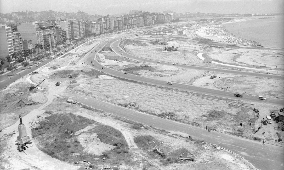 Resultado de imagem para aterro do flamengo em construção