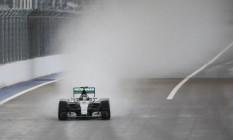 Nico Rosberg acelera em Sochi Foto: MAXIM SHEMETOV/REUTERS