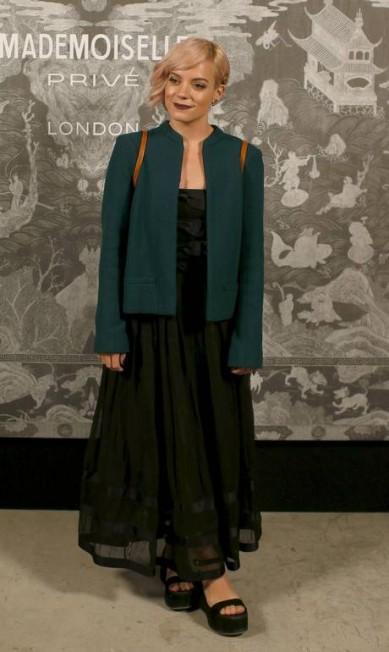 """A cantora Lily Allen, uma antiga """"amiga"""" da maison PETER NICHOLLS / REUTERS"""