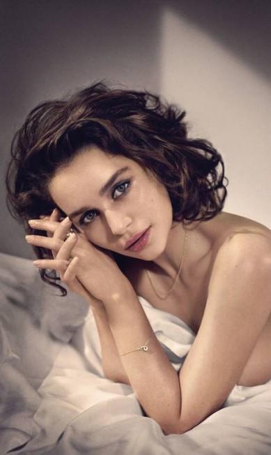 Emilia foi fotografada para Vincent Peters Divulgação