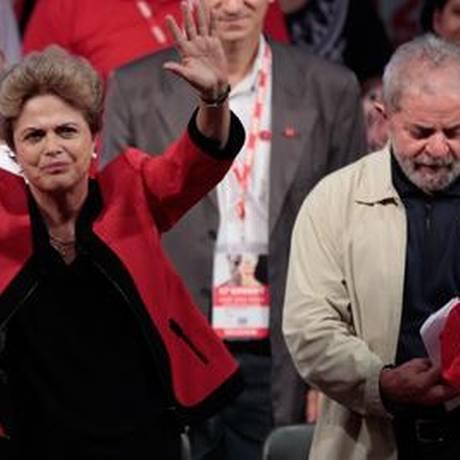 Dilma na abertura do Congresso da CUT ao lado de Lula Foto: Pedro Kirilos