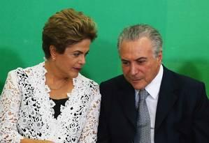 O vice-presidente Michel Temer com a presidente Dilma Rousseff Foto: Jorge William / 05-10-2015 / Agência O Globo