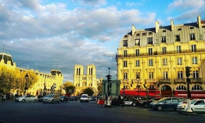 Place Saint-Michel, Paris Foto: @pedrotourinho / Instagram