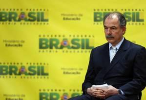 O ministro da Educação, Aloizio Mercadante, divulgou números do Fies nesta quarta-feira Foto: Jorge William / Agência O Globo