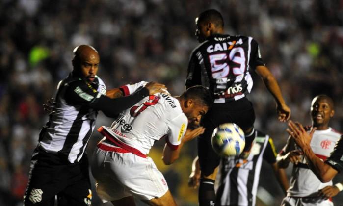 http://og.infg.com.br/in/17779386-89a-c9e/FT1086A/420/SC-Futebol-_-Figueirense-x-Flamengo-GD32E4BQ6.1.jpg