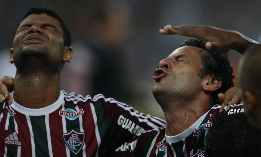 Gum e Fred comemoram o gol que abriu o placar no Maracanã Alexandre Cassiano