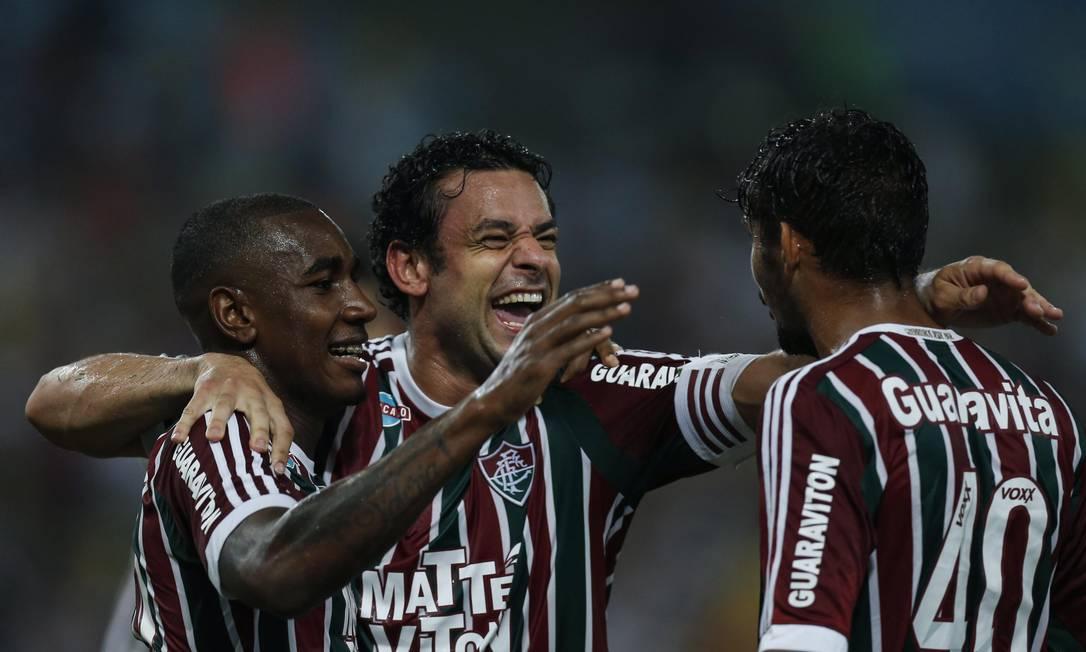 Fred comemora com Gerson e Scarpa mais um gol no Brasileiro Alexandre Cassiano / Agência O Globo
