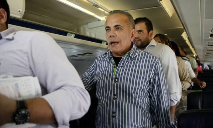 Líder na oposição na Venezuela, Manuel Rosales foi preso ao voltar ao país, no aeroporto internacional La Chinita, no dia 15 de setembro de 2015 Foto: Jhair Torres / AP