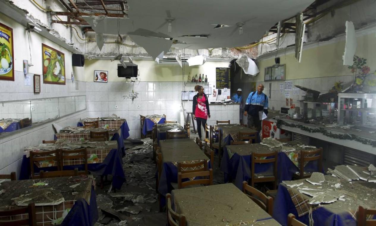 Restaurante Estrela de Lisboa interditado pela Defesa Civil Foto: Gabriel de Paiva / Agência O Globo