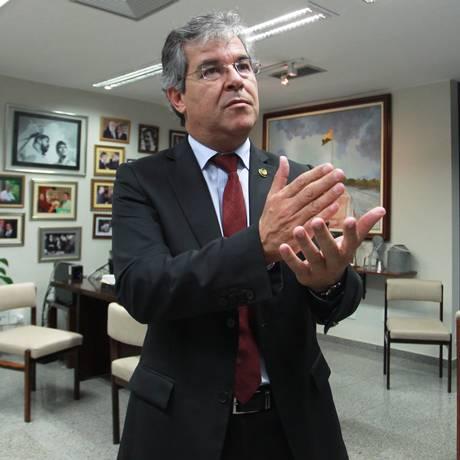 O Senador Jorge Viana (PT-AC) durante entrevista ao GLOBO Foto: Aílton de Freitas / Agência O Globo / Arquivo 25/04/2013