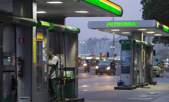 No Rio, preço médio do litro da gasolina saltou de R$ 3,477 para R$ 3,692, e o do etanol, de R$ 2,579 para R$ 2,86Foto: Leo Martins / Agência O Globo