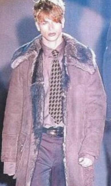 Durante desfile da Gucci, em 1997 Reprodução/Instagram