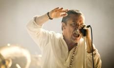 Mike Patton durante apresentação do Faith No More no Rock in Rio em setembro Foto: Guito Moreto