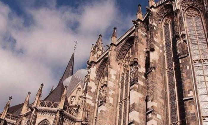 Catedral de Aachen, Alemanha Foto: @raisousa51 / Instagram