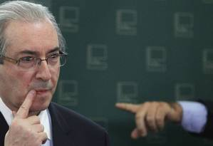 Presidente da Câmara, Eduardo Cunha, durante entrevista Foto: Givaldo Barbosa / Agência O Globo
