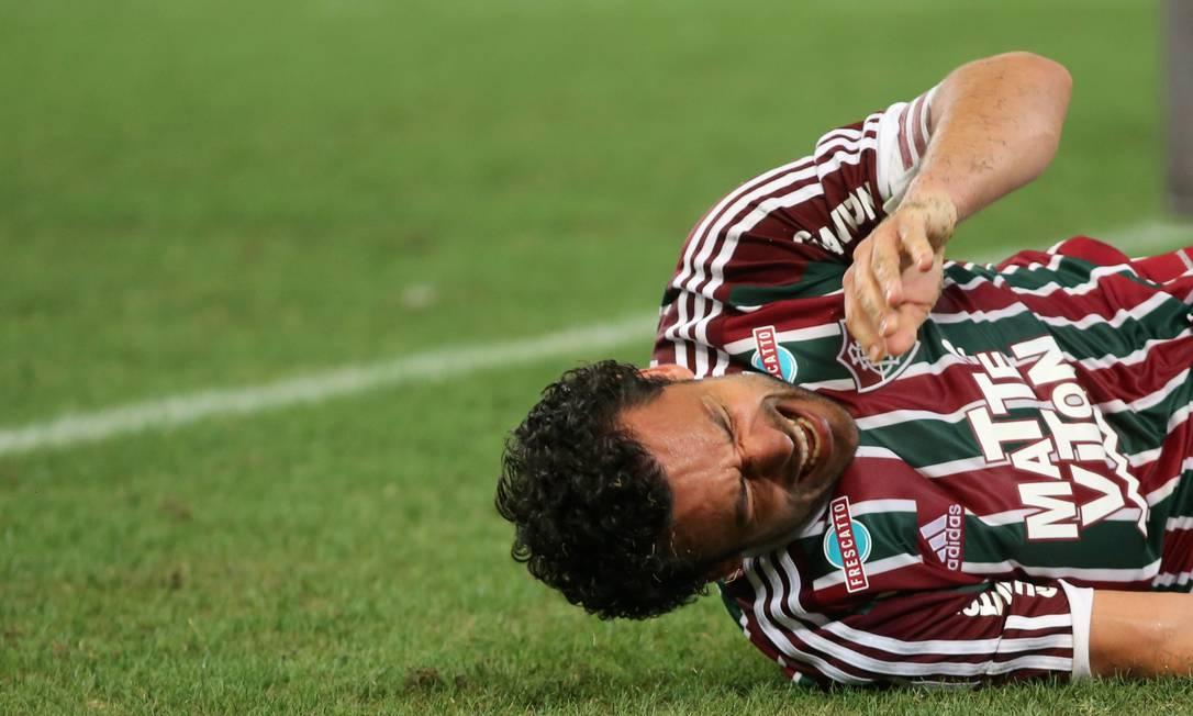 No Maracanã, Fluminense x Palmeiras: a dor de Fred após lesionar tornozelo e joelho esquerdos Marcelo Theobald / Agência O Globo