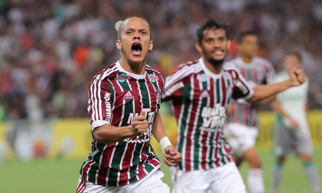 Marcos Junior festeja o gol que marcou pelo Fluminense, primeiro do time tricolor na vitória por 2 a 1 sobre o Palmeiras Marcelo Theobald / Agência O Globo