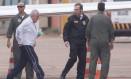 Henrique Pizzolato chega ao ao hangar da Polícia Federal após ser extraditado para o Brasil Foto: André Coelho / Agência O Globo