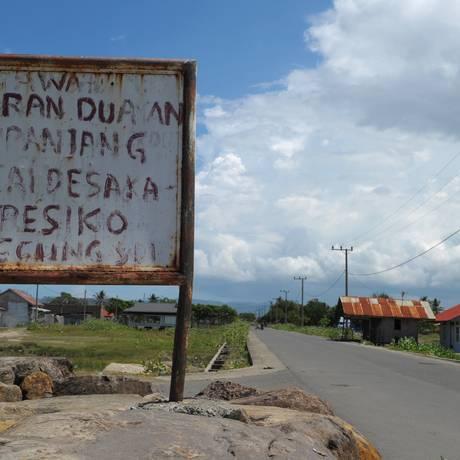Placa em Aceh alerta sobre relacionamentos fora do casamento: