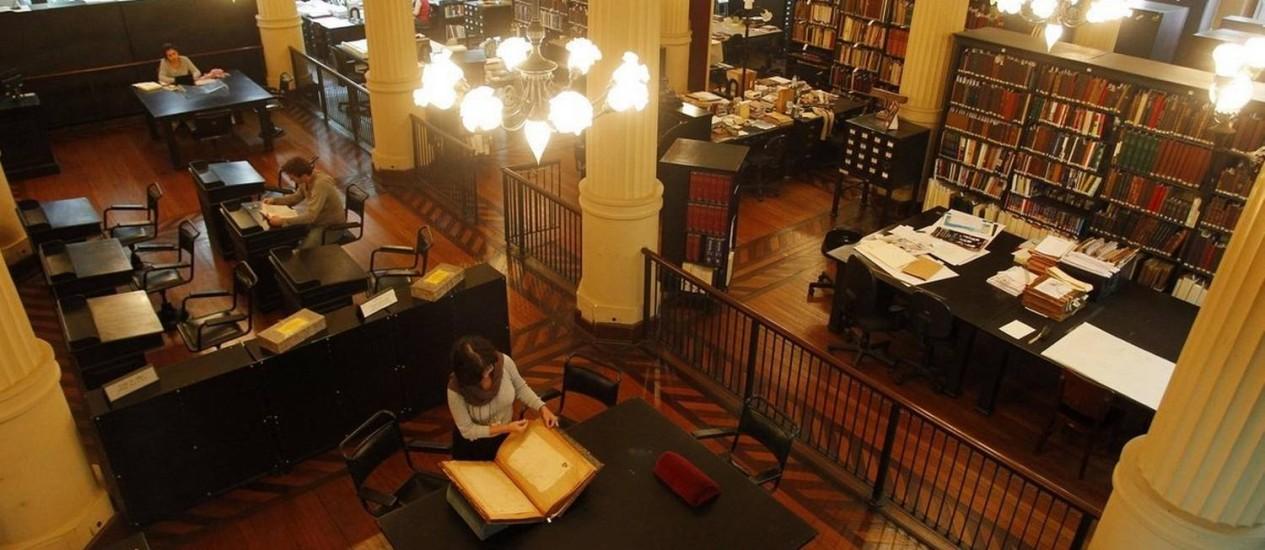 Sobrepreço. A Biblioteca Nacional: 200 funcionários foram contratados por empresa que apresentou valor mais alto Foto: Custódio Coimbra / Agência O Globo