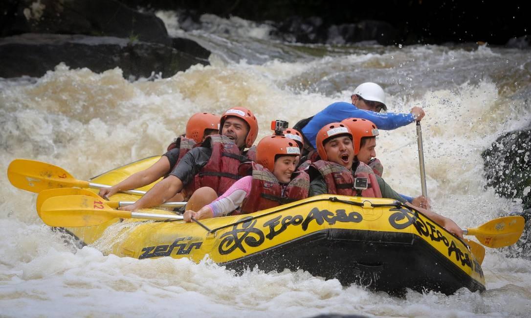 Turismo de aventura com emoção sob medida em Brotas