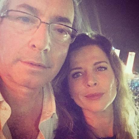 Eduardo Cunha e Cláudia Cruz em um momento de carinho e intimidade nas redes sociais Foto: Reprodução internet