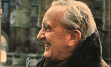 O autor J.R.R. Tolkien em foto de 1973 Foto: Divulgação