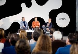 Mia Couto, José Eduardo Agualusa e Sidarta Riberio discutem no Folio Foto: Divulgação